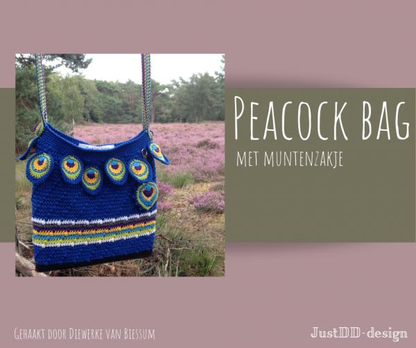 Peacock bag crocheted by Diewerke van Biessum